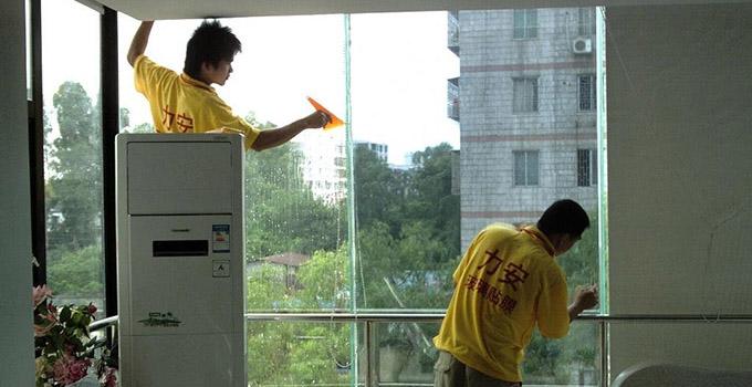 窗户贴膜的方法步骤