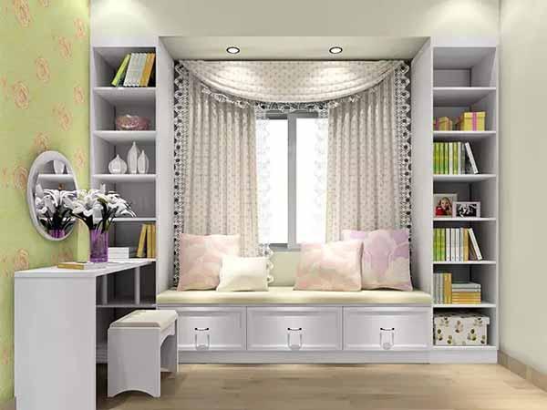 电视柜飘窗组合:王先生夫妇比较喜欢宽敞的活动空间,这里降低了图片
