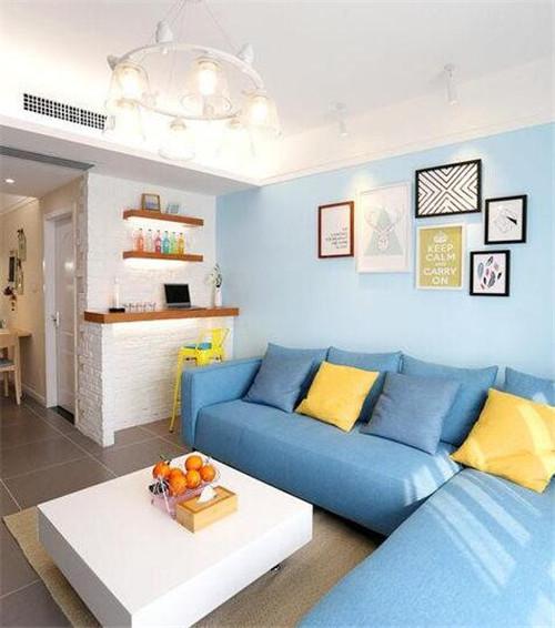 这套 95平米三室一厅小户型装修设计案例没有华丽的装饰、没有复杂的摆设,主人希望有一个简单而富有情调的家。于是处处布置的都比较简单,给人一种清爽素雅的感觉。接下来就随装修网小编一起来看看这套95平米三室一厅小户型装修效果图吧! 95平米三室一厅小户型装修设计效果图
