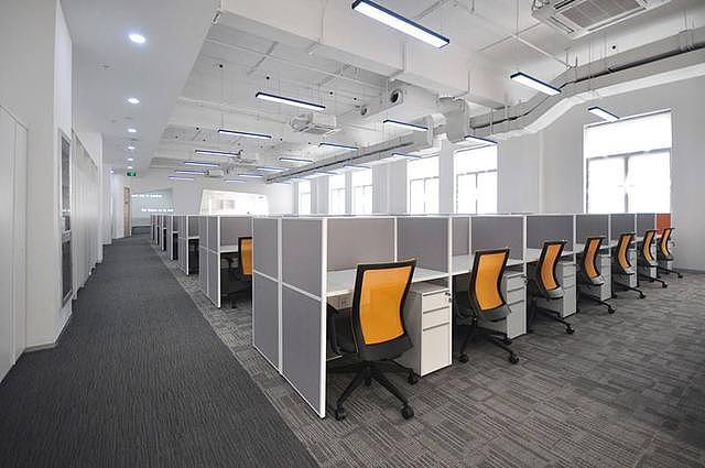 办公室装修设计的搭配色彩要平衡