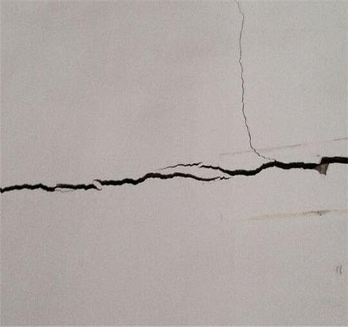 墙面有裂缝怎么办 墙面为什么有裂缝