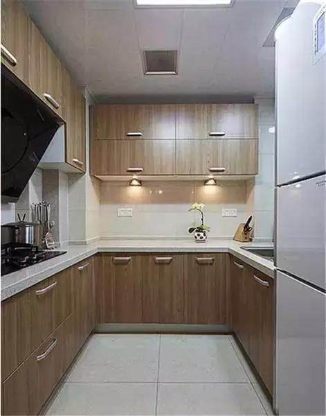 11平米左右的厨房装修设计效果图案例