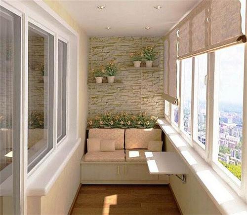 阳台装修经常风吹日晒,用瓷片好还是玻化砖好?