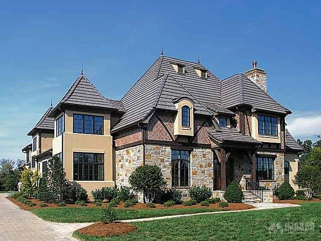 对于好的别墅户型来说,他们大多数都是以长方形或者是正方形为主,从