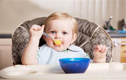 3个月的宝宝能吃些什么