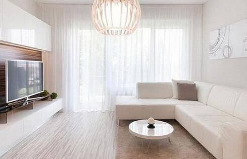 80平房子实用的装修日记,客厅的配色十分讲究,白色墙壁自然过渡到米色