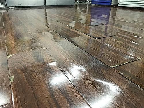 木地板鼓包还能恢复吗 是什么原因引起的起泡