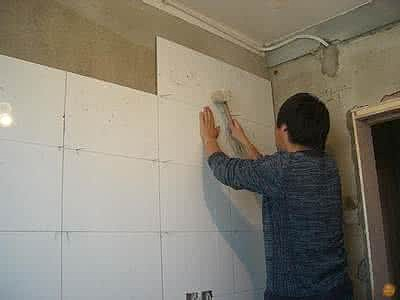 快速贴墙砖的技巧 墙面铺瓷砖的注意事项