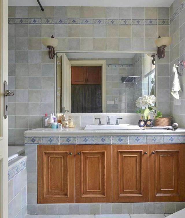 浴室柜哪种好 主要还是细节的选择