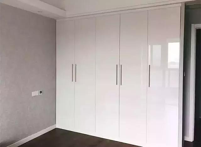 衣柜什么颜色好看 白色衣柜好不好