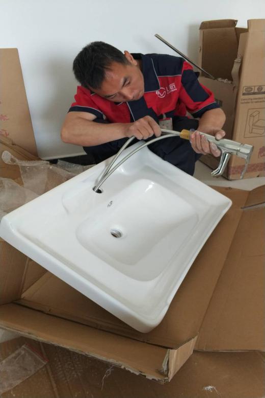 浴室柜的安裝工藝流程及注意事項