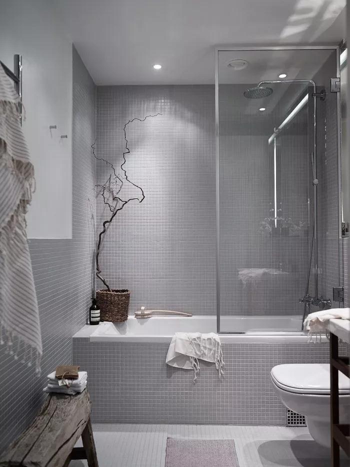 浴缸VS淋浴房究竟应该选哪个?