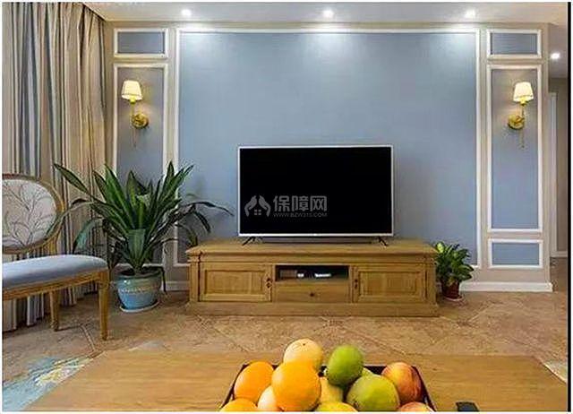 客厅电视墙使用石膏线装修 即美观大气又实用!