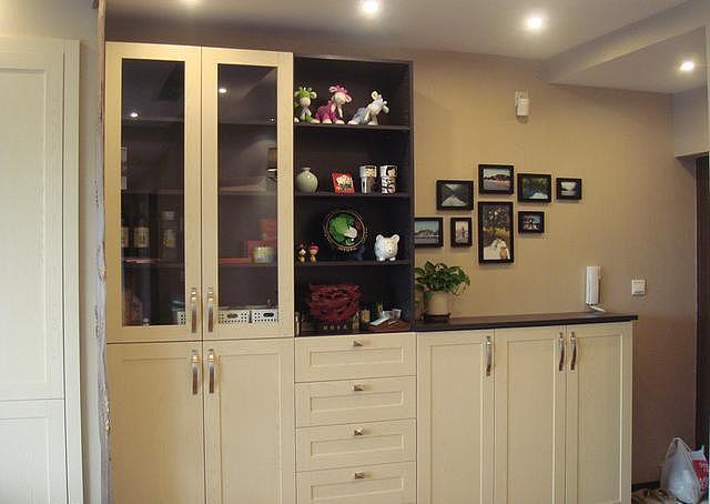 97平的小三房装修 全屋柜子最实用
