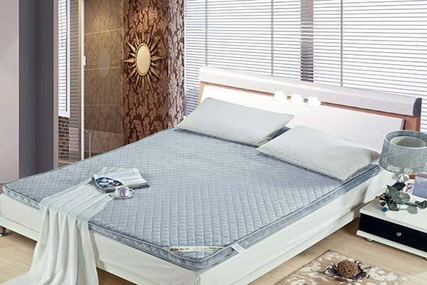 床垫买什么材质的好 椰棕床垫和弹簧床垫哪个好