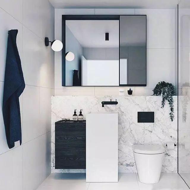 如何装修简约大方的卫生间 黑白最经典