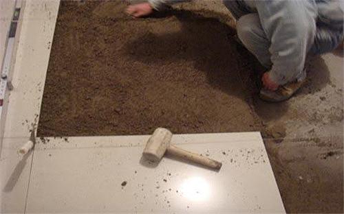 铺地板砖多少钱一平 铺地砖应注意什么