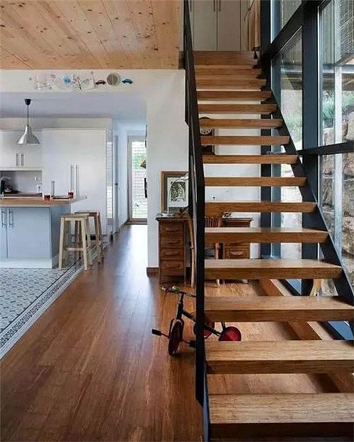 楼梯地板怎么铺 楼梯铺设地板需要注意哪些地方