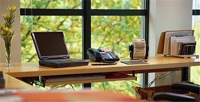 打造完美书房:你不知道的书桌摆放位置的禁忌