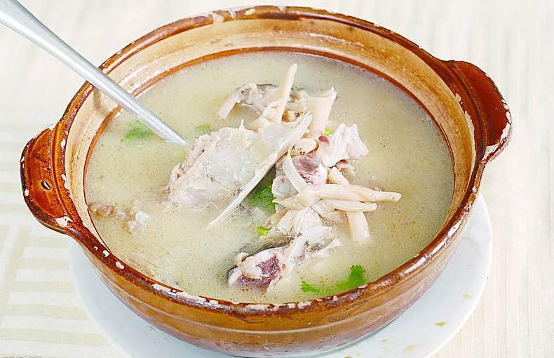 陶瓷锅和砂锅的区别 陶瓷锅和砂锅哪个好