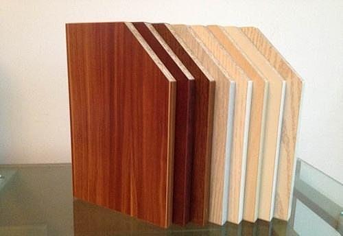 原态板和实木颗粒板区别 原态板和实木颗粒板哪种好