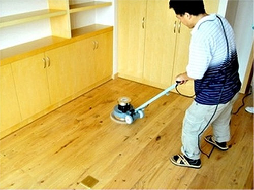 木地板怎么打蜡 地板打蜡的两大好处