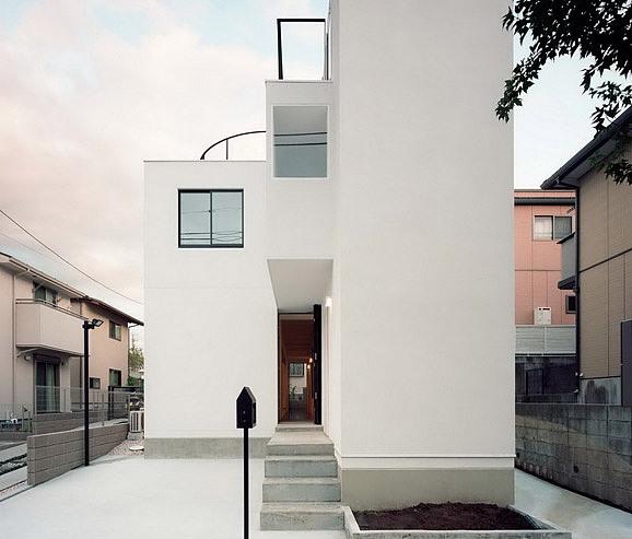 House K:可供两户家庭居住的双联式住宅