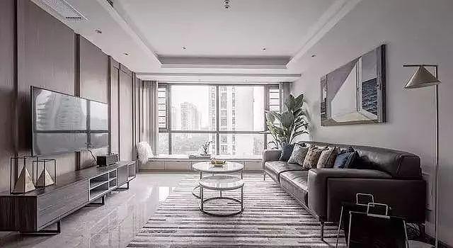 三居室120㎡简约风装修 客厅飘窗设计的非常大方