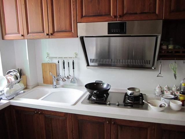 """厨房水槽怎么选 做好这三点就""""购""""了"""