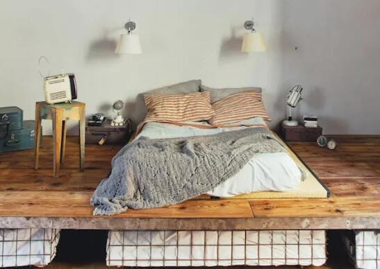 家里处处都有床是什么体验?用亲身经历告诉你,走哪躺哪
