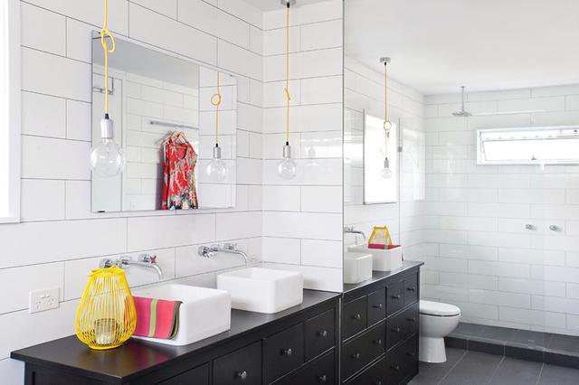 这个台盆自带雨刷自动清洁?装在卫生间连抹布都省了