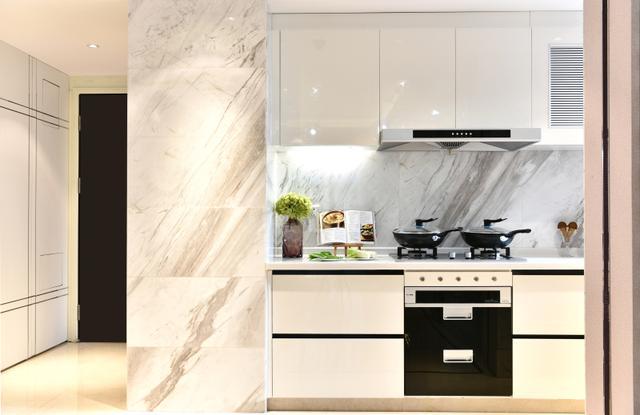 厨房下水老是堵,原来是油垢的缘故,到底该怎么解?