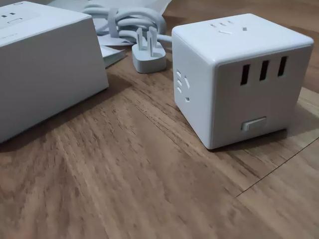 家里插座的正确打开方式:看完这篇家里再也不缺插座了