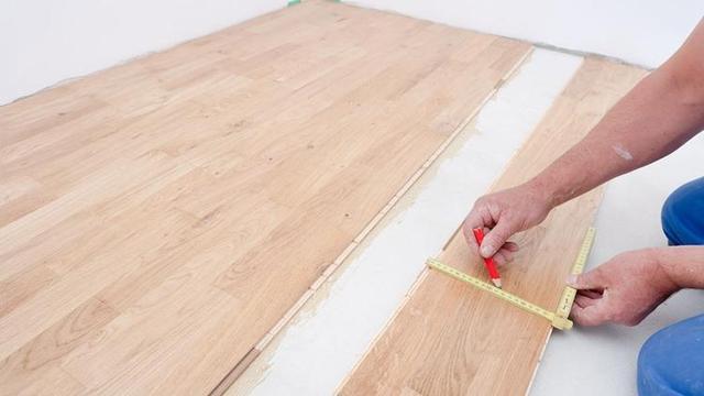 旧地板如何翻新 知道了这些步骤自己也可以动手干