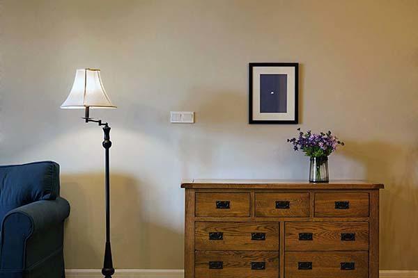 客厅摆放落地灯合适吗 客厅落地灯价格多少钱
