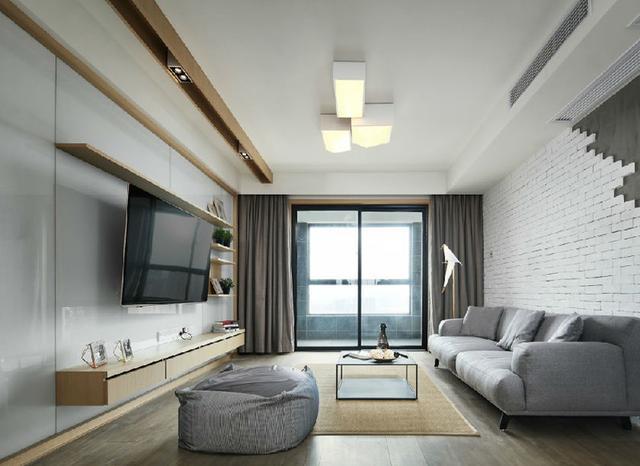 120平米3室2厅简约装修 喜欢客厅的砖墙