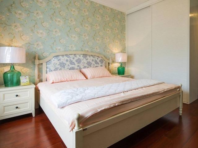 卧室别装大床了 越来越多人这样装,好看又实用!
