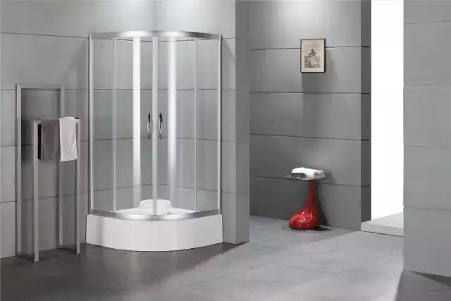 淋浴房玻璃厚度多少合适 镶金嵌银有必要吗
