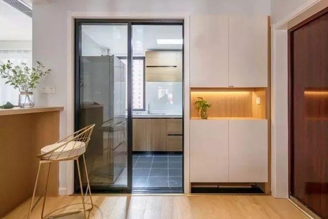 86平米两居室装修设计 打造清爽自然的原木风家居