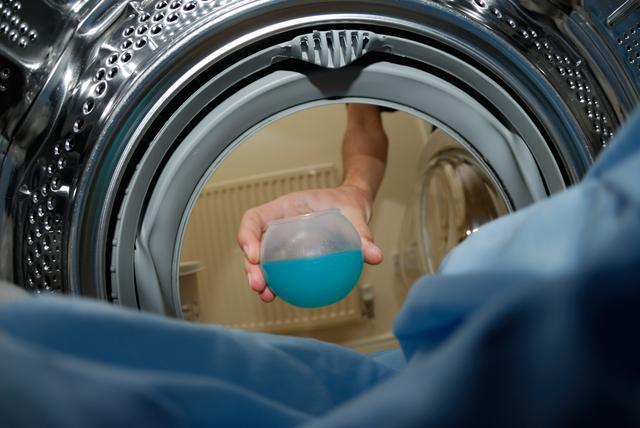 衣服放洗衣机洗不干净咋整 或许是这三方面原因