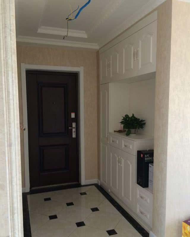 新房利用石膏线装修设计 客厅一看就很时尚大气