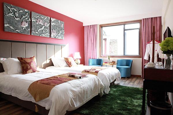 卧室放桃花好吗