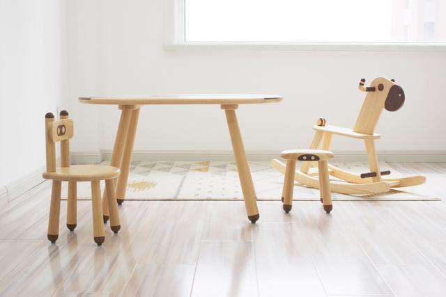 小米儿童桌椅体验:家庭游戏开启的道具