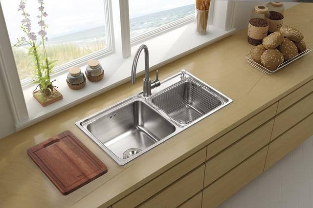 """选好厨房水槽款式 让洗菜""""洗""""出乐趣!"""