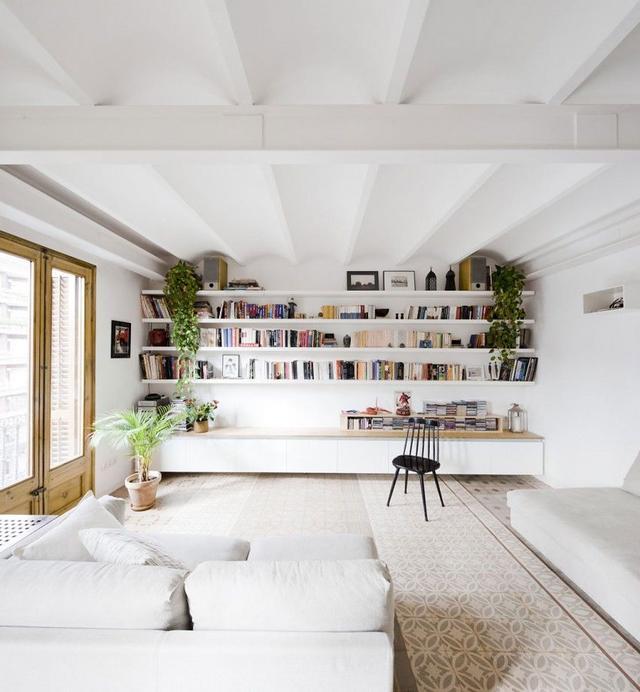 客厅中的白色家具怎么搭配才能显得更好看