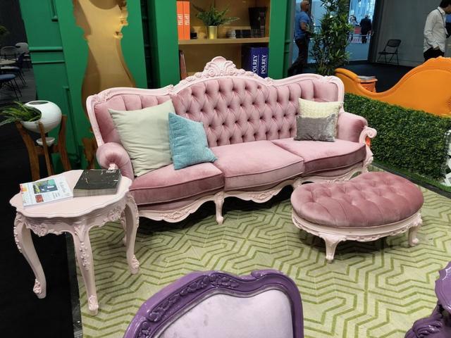 用甜美的粉彩装饰为空间增添活泼风格