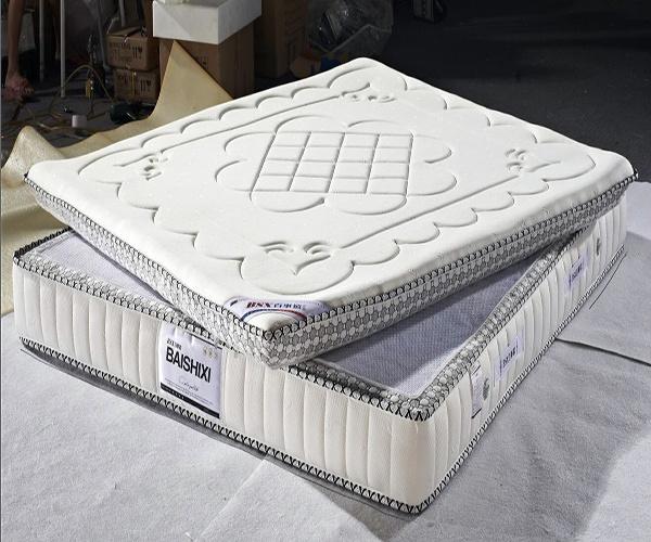 乳胶床垫掉渣的原因 乳胶床垫氧化了怎么办