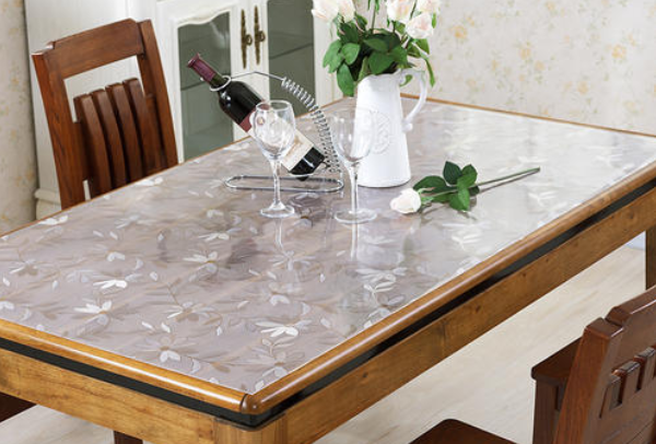 實木餐桌上面鋪什么好 實木餐桌怕燙用什么隔熱