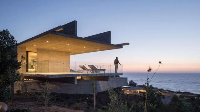 国外混凝土海滨别墅 这种粗糙的房子好有设计感