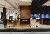 办公室设计案例:冷暖色调营造出深度与远视的错觉